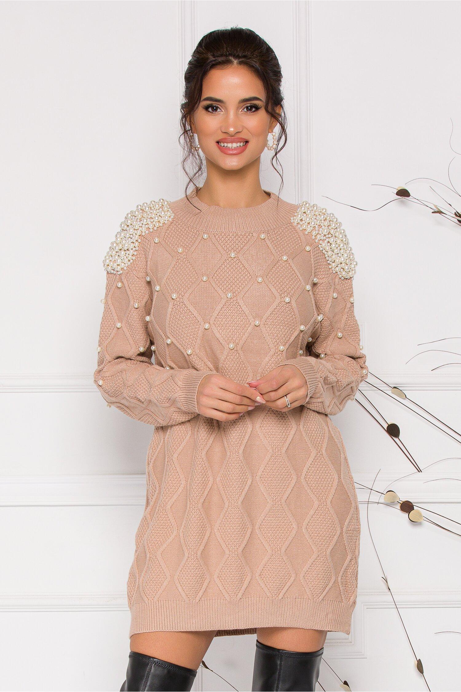 Rochie Pearl maro deschis din tricot accesorizata cu perlute