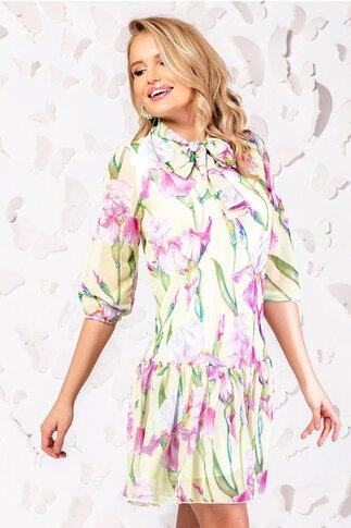 Rochie Pretty Girl galbena din voal cu print floral si guler tip esarfa