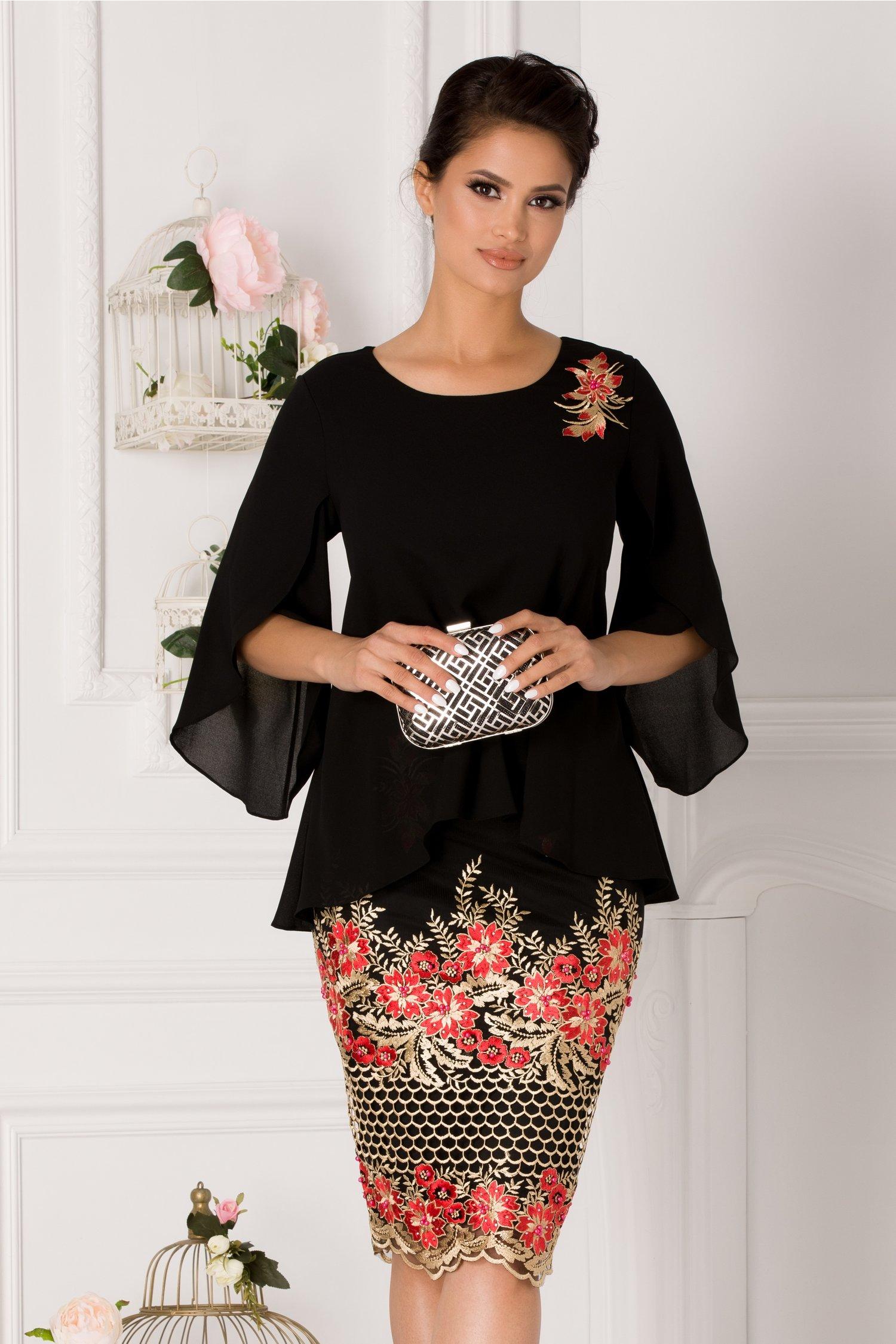 Rochie Ramyra neagra cu broderie florala rosie