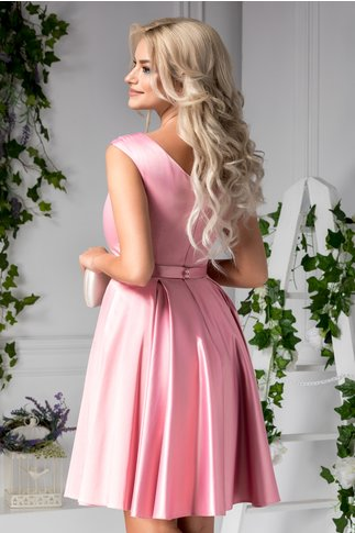 Rochie Rosalie de ocazie roz cu aplicatii la decolteu