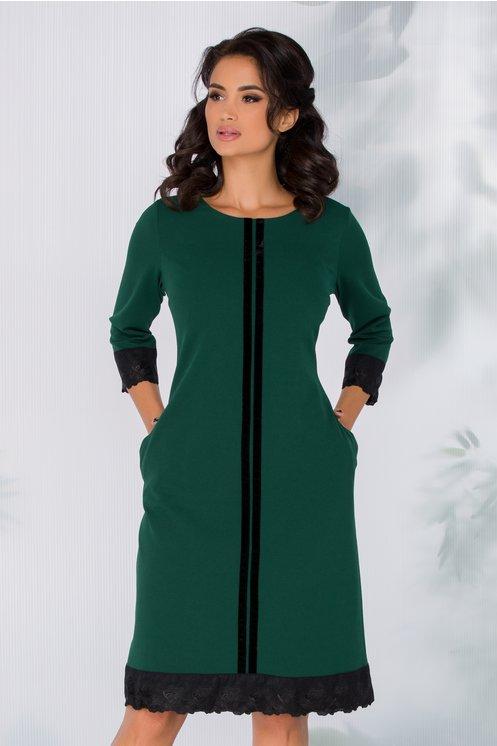 Rochie Sabrina verde cu insertii catifelate si broderie