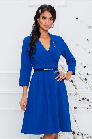 Rochie Sally albastra accesorizata cu brosa tip bijuterie