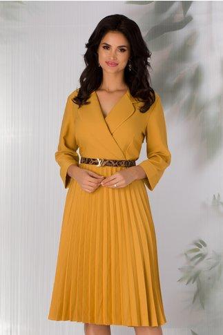 Rochie Sandra galbena cu decolteul petrecut si fusta plisata