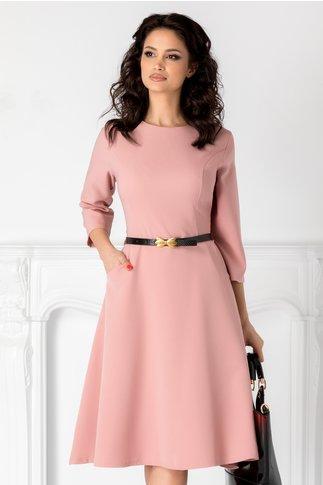 Rochie Sara roz clos cu curea in talie