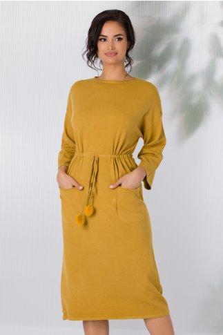 Rochie Sara tricotata galben mustar cu snur in talie si buzunare