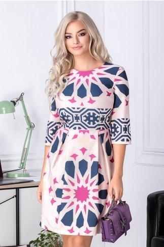 Rochie Sirina roz clos cu imprimeuri geometrice
