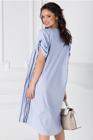 Rochie tip camasa albastru deschis cu imprimeu pe o parte
