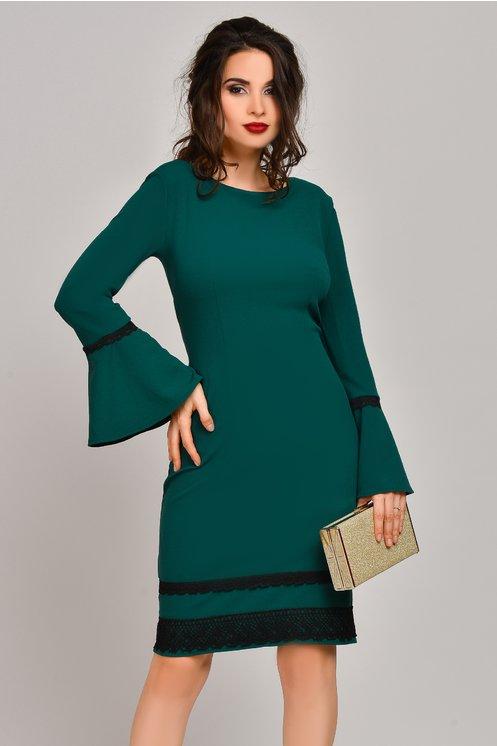Rochie verde croi drept cu broderie la tiv
