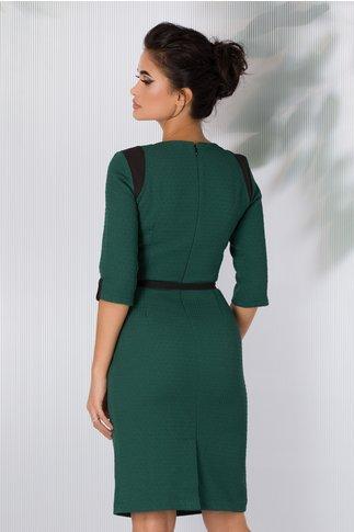 Rochie verde cu model in relief si cordon in talie