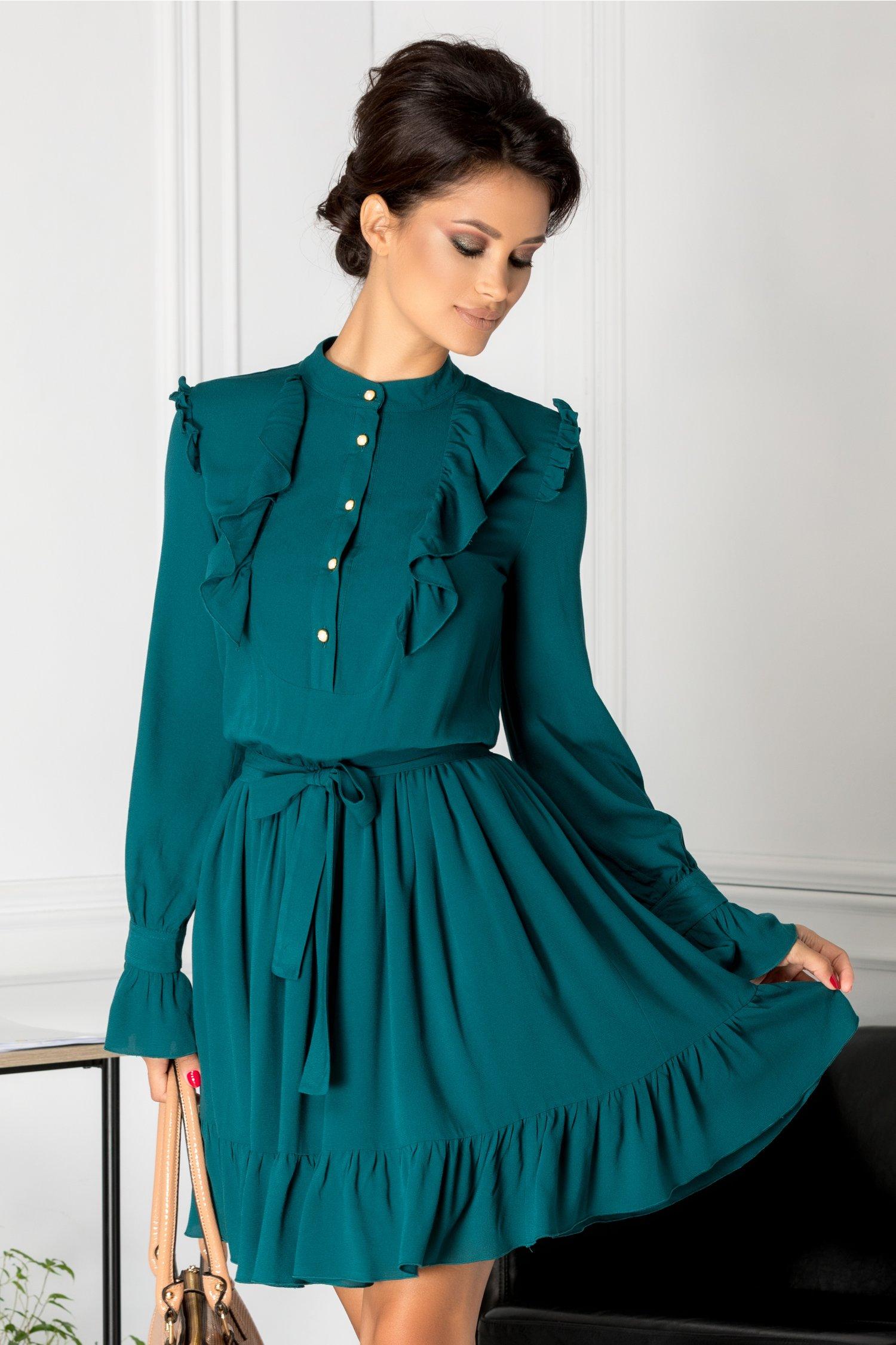 Rochie verde inchis cu nasturi perlati la bust