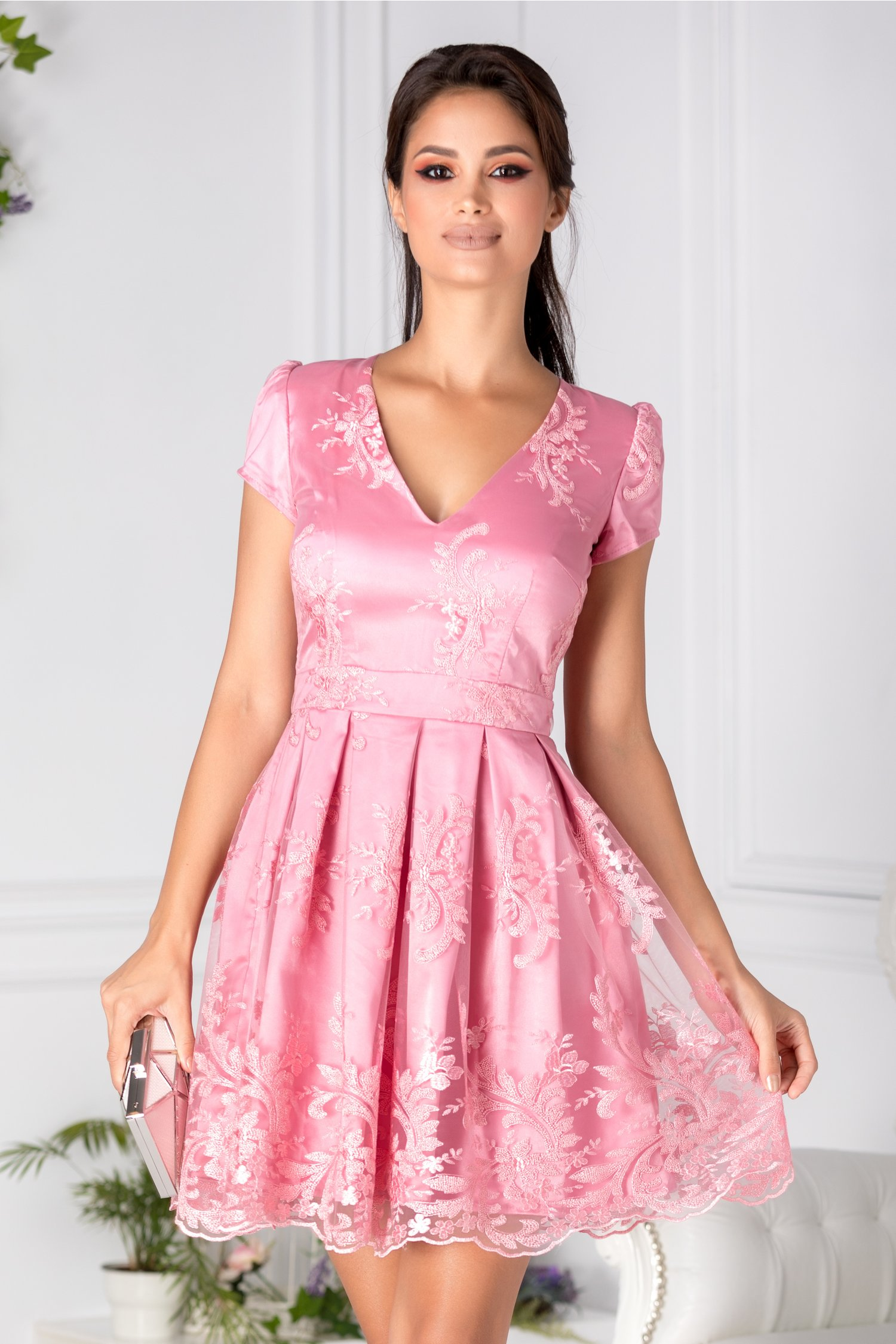 Rochie Viena roz de ocazie din tull brodat