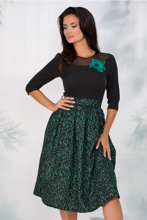 Rochie Viki neagra cu imprimeu verde pe fusta