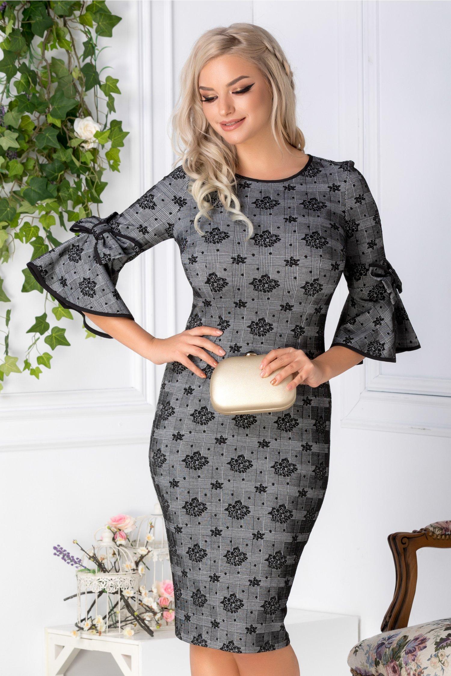 Rochie Zahia gri cu carouri si motive florale negre