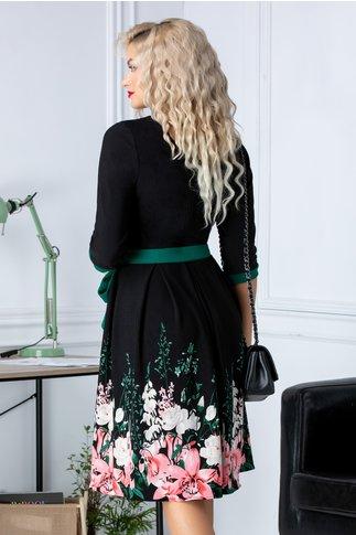 Rochie Zora in clos neagra cu  imprimeu floral la baza