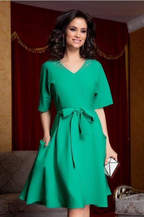 Rochie Zoraia verde cu strasuri la guler