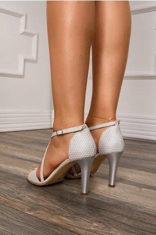Sandale albe cu insertii argintii