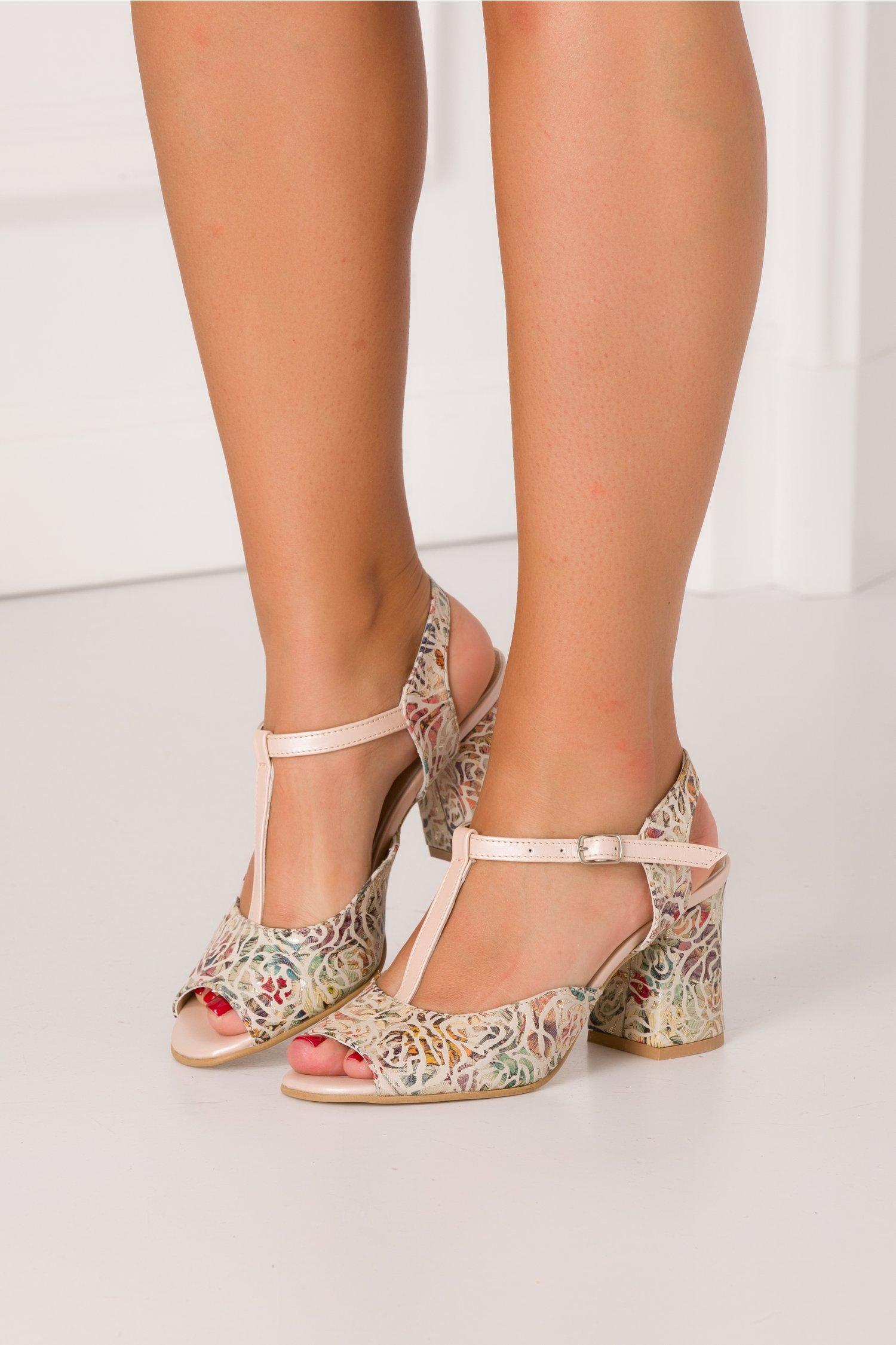Sandale bej cu imprimeu floral auriu