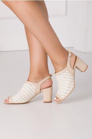 Sandale crem cu perforatii circulare