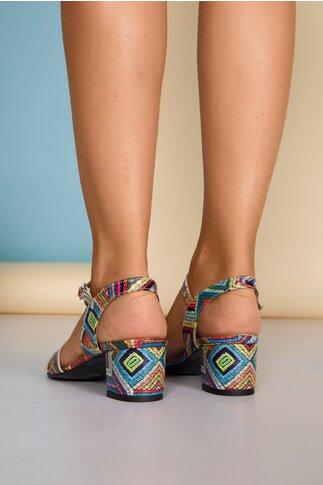 Sandale cu imprimeu in dungi multicolore si decupaje elegante
