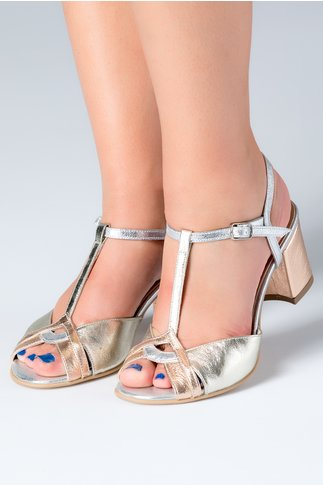 Sandale dama argintii cu aspect lacuit si toc mediu