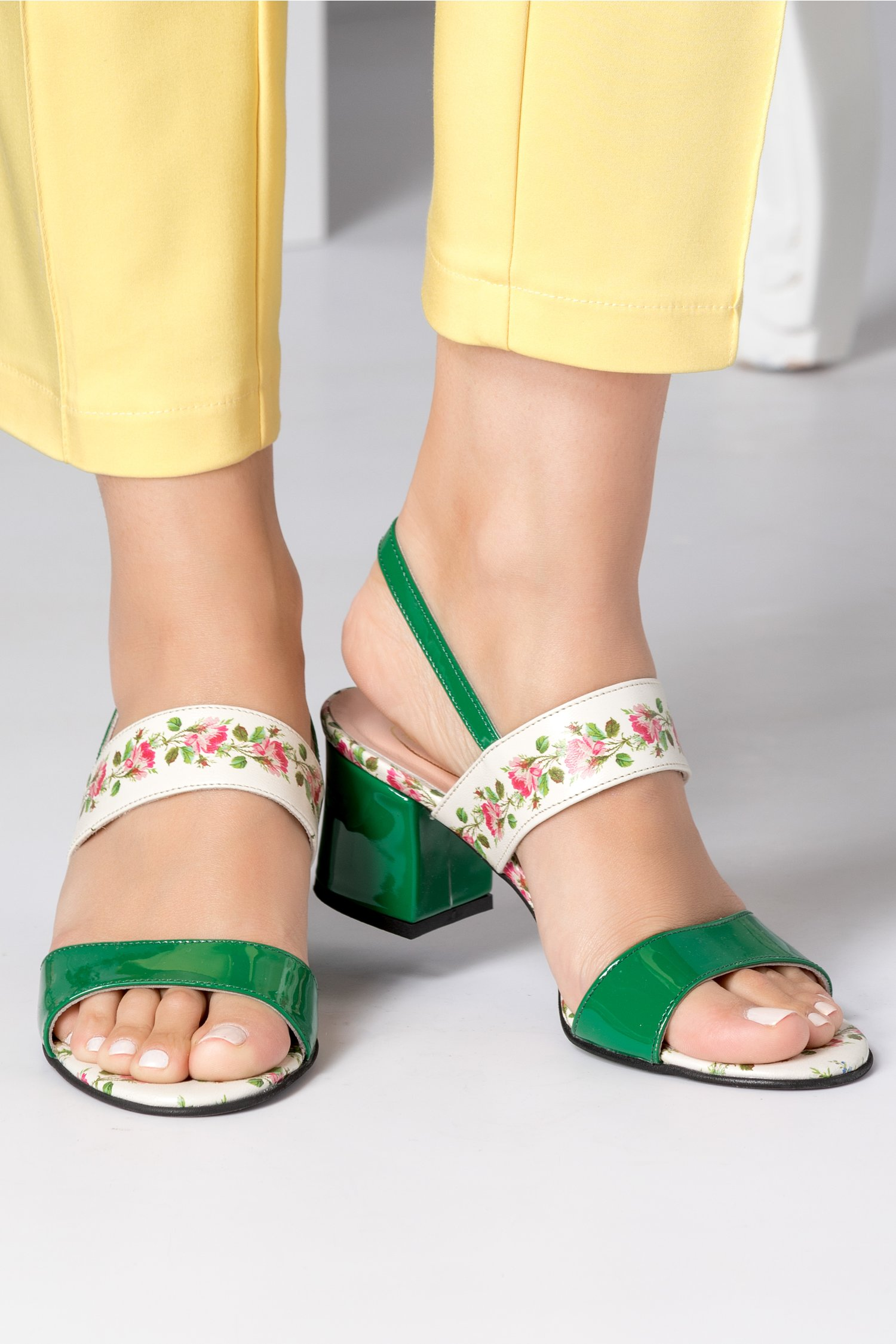 Sandale dama cu toc jos verzi cu insertii florale