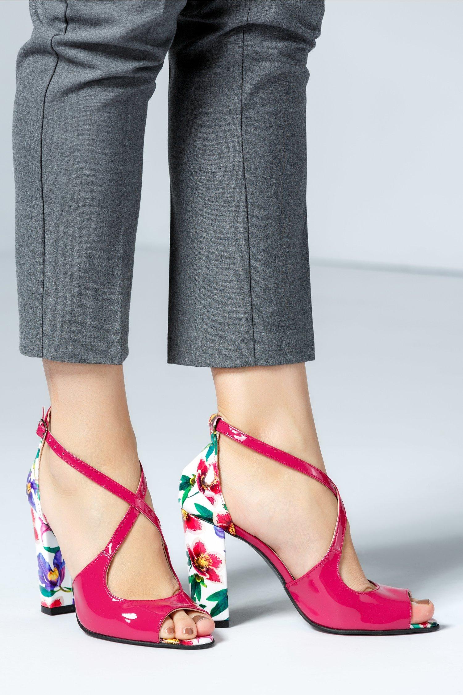 Sandale dama fucsia cu imprimeuri florale