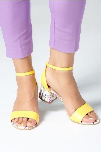 Sandale dama galbene cu detalii florale si toc jos