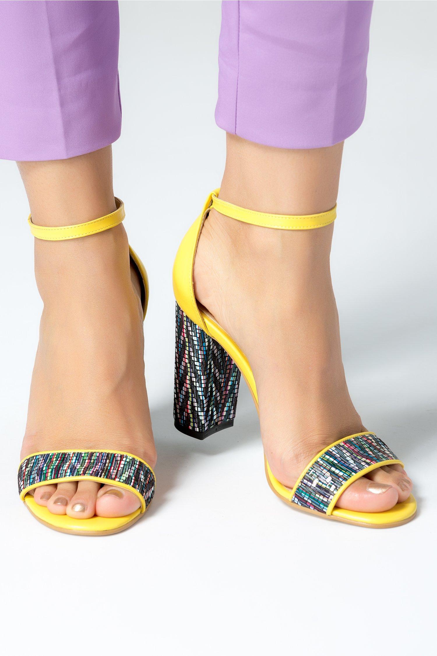 Sandale dama galbene cu insertii colorate
