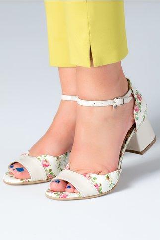 Sandale dama ivory cu detalii florale si toc jos