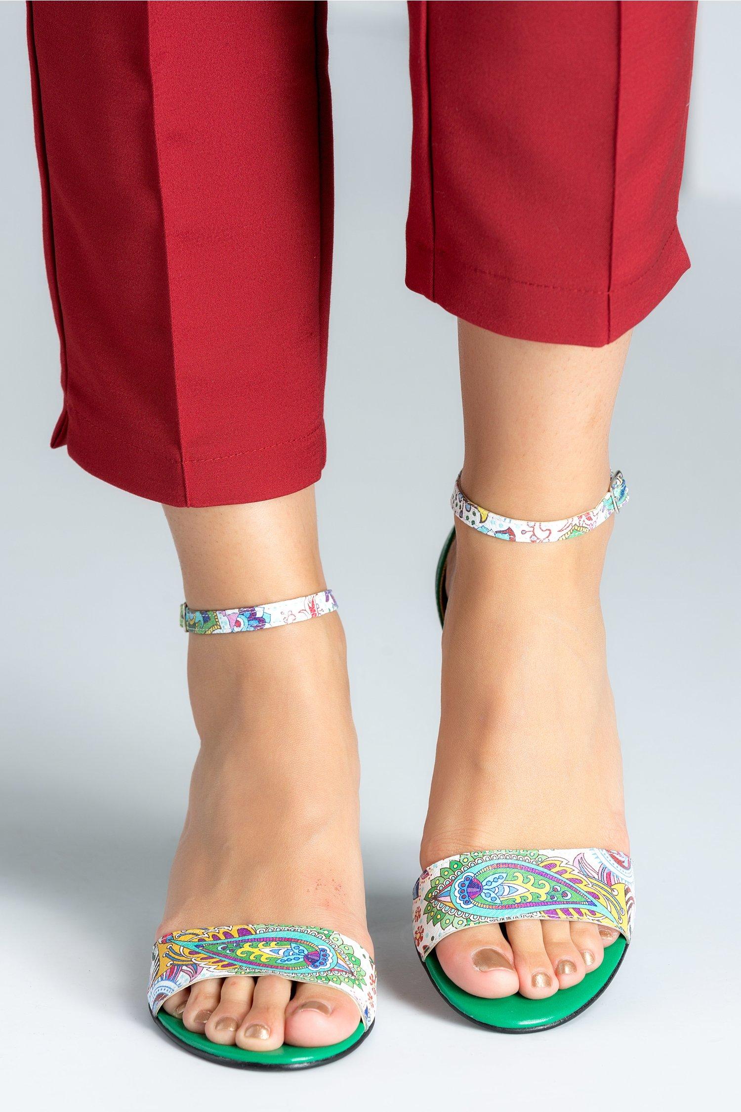 Sandale dama verzi cu detalii florale si toc jos