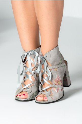 Sandale inalte gri cu imprimeu si siret lat