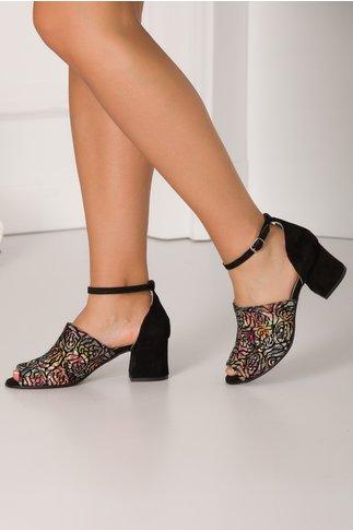 Sandale negre cu imprimeu multicolor pastelat