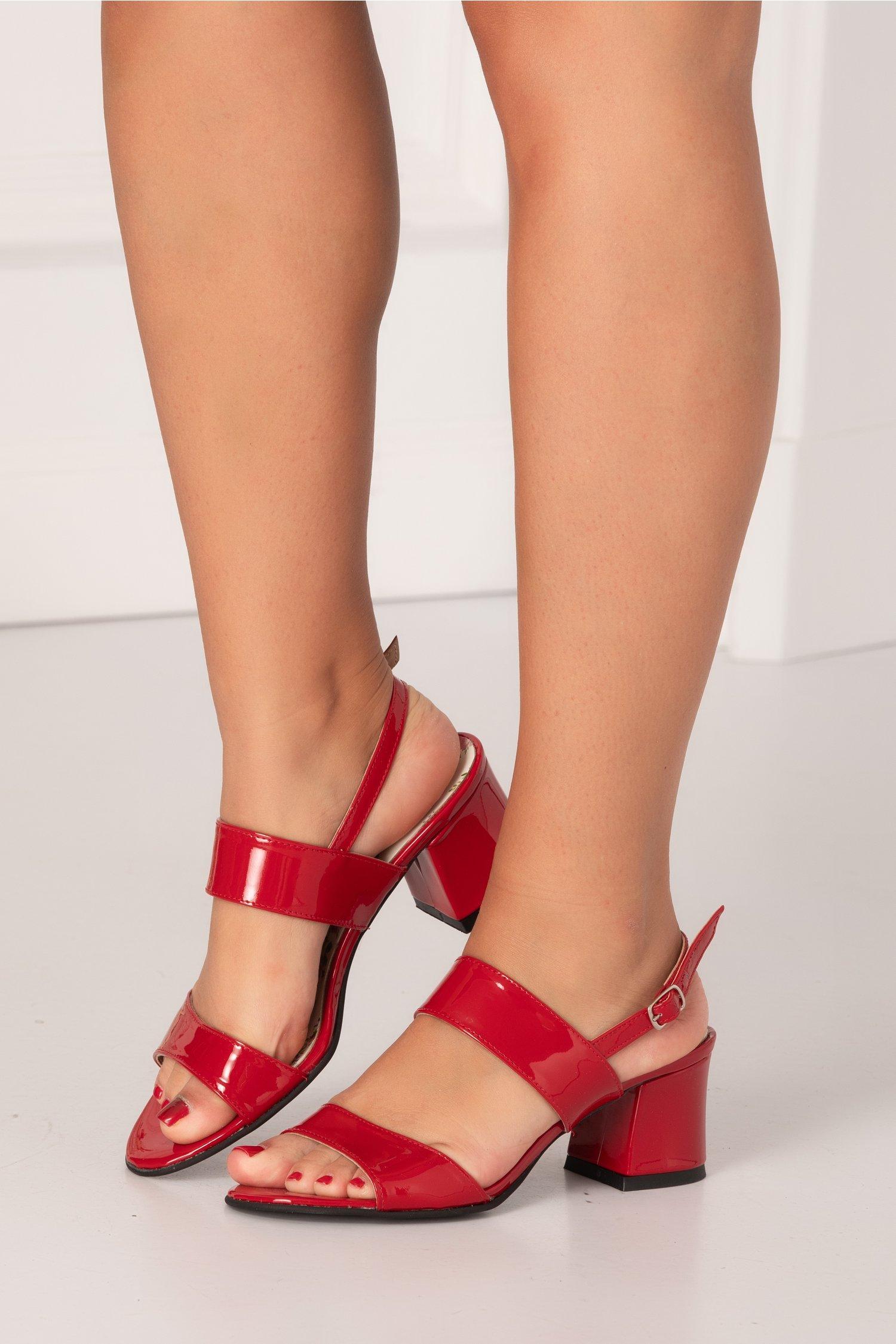 Sandale rosii lacuite cu tocul jos
