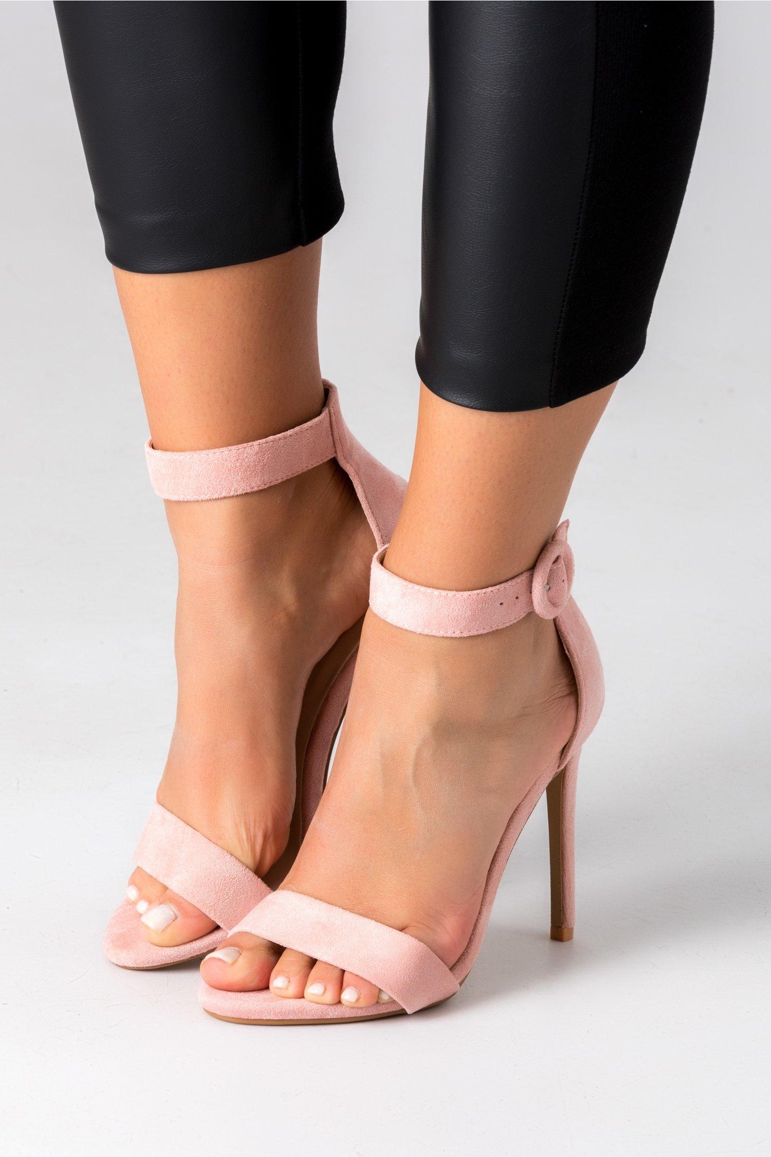 Pantofi roz cu bereta si toc ascutit