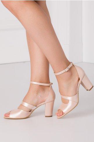 Sandale roz sidefat cu tocul mediu