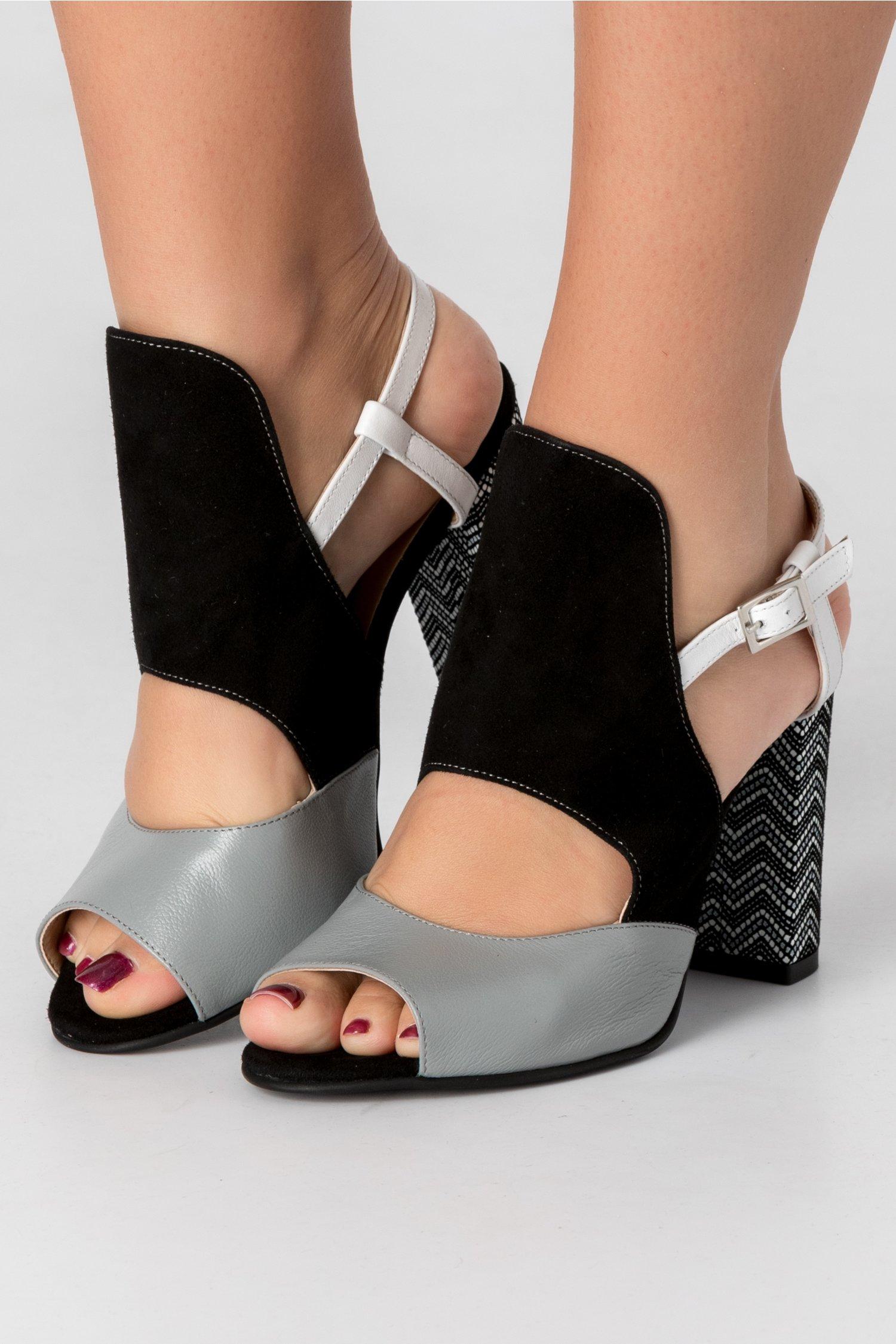 Sandale tricolore cu imprimeu in zig-zag pe toc