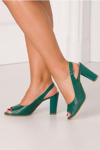 Sandale verzi de dama cu perforatii