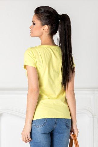 Tricou Anastasia galben cu imprimeu si aplicatii