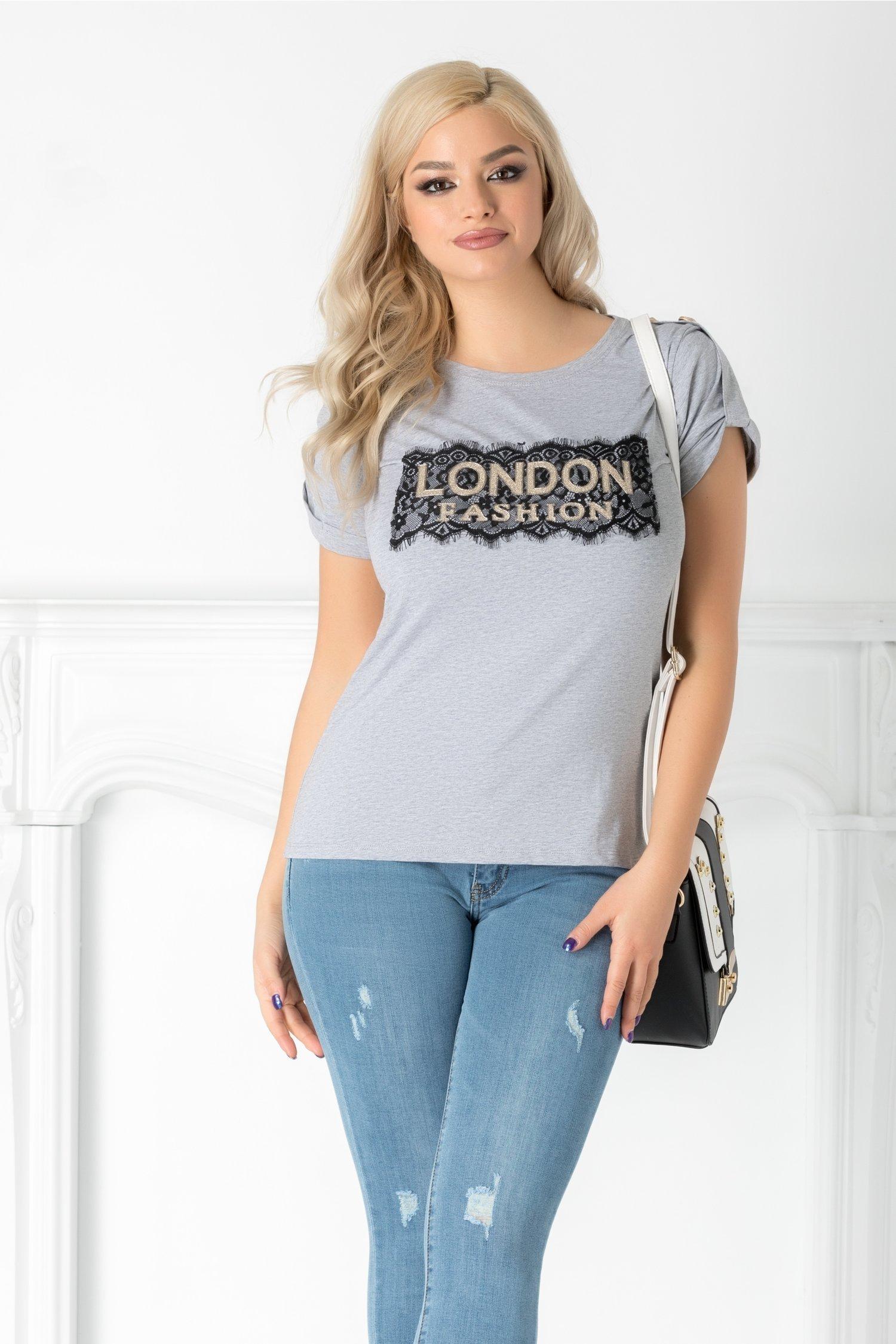 Tricou London gri cu aplicatie aurie si dantela la bust
