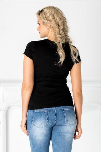 Tricou negru cu imprimeu gri si flori rosii 3D
