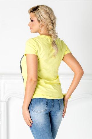 Tricou Oran galben cu imprimeu pe fata si paiete