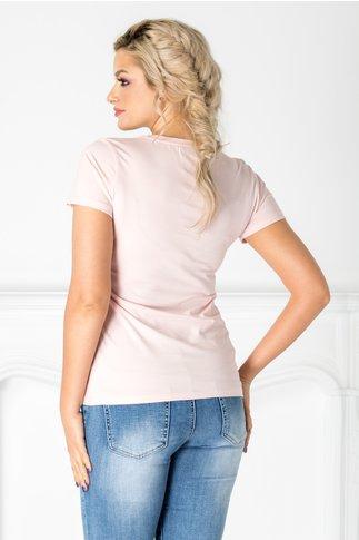Tricou roz cu imprimeu si aplicatii din dantela