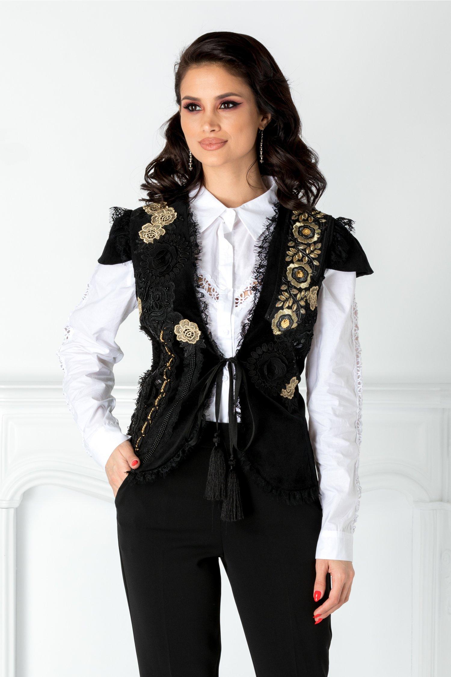 Vesta LaDonna neagra cu detalii catifelate si broderie la bust