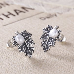 Cercei din argint cu Frunza de Artar si Perla