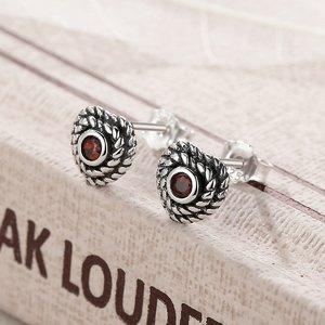 Cercei din argint cu Inima Patinata si Cristal Rosu