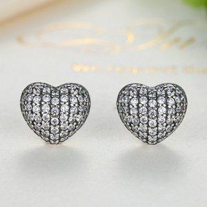 Cercei din argint cu Inimi Incrustate cu Cristale