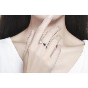 Inel din argint cu Perla si Cristale Negre