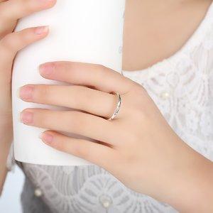 Inel din argint delicat cu Cristale Transparente