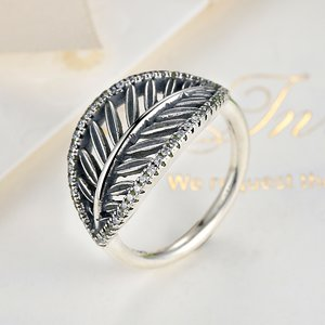 Inel din argint patinat cu Frunza si Cristale