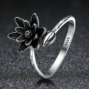 Inel reglabil din argint cu Lotus Negru